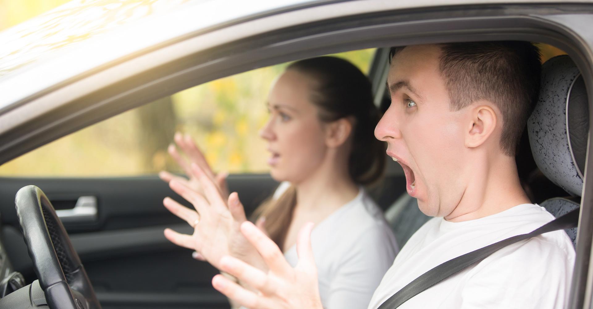 Jak postępować podczas wypadku samochodowego?